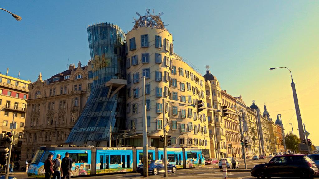 Weekend w Pradze wycieczka Praga Praha AngelLovesDreams Wełtawa tańcący dom w pradze