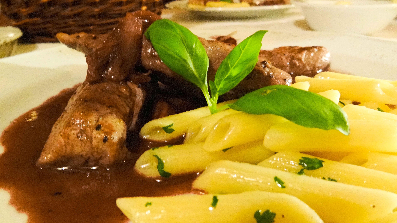 polędwiczki jagnięce w czerwonym winie restauracja la scala we wrocławiu angellovesdreams